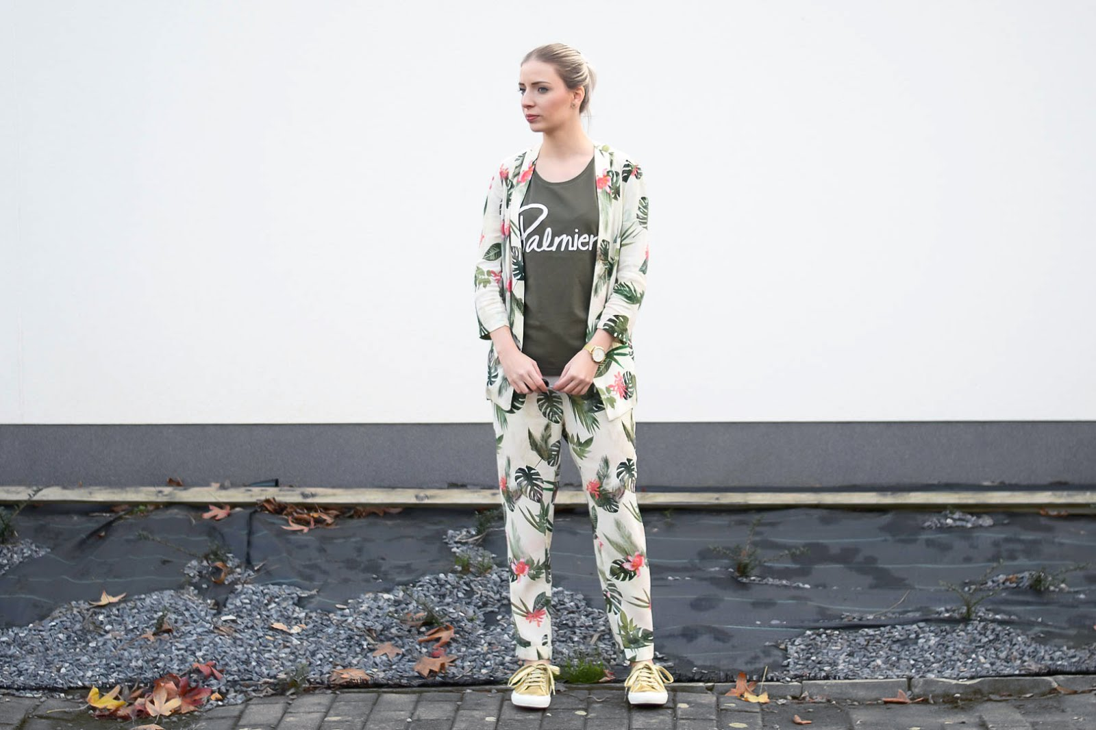 Bershka, flower, print, suit, floral, palmier, organic, outfit, superga, gold, sneakers