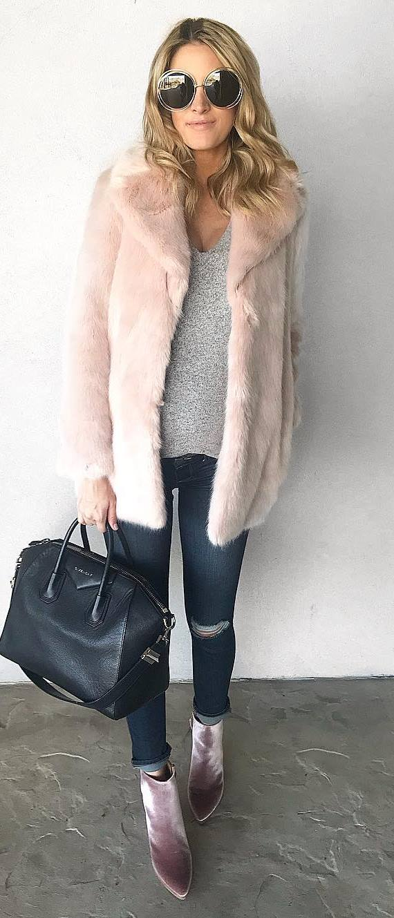 winter fashion trends | fur coat + grey sweater + bag + skinny jeans + velvet boots