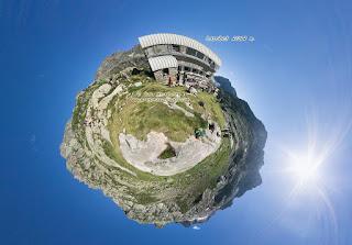http://www.360climbing.com/larribet/larribet.html