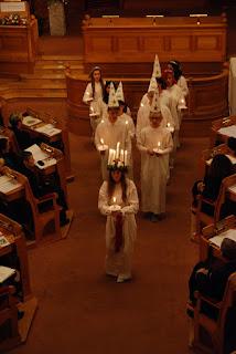 Procesión en el Día de Santa Lucía en Estocolmo (@mibaulviajero)