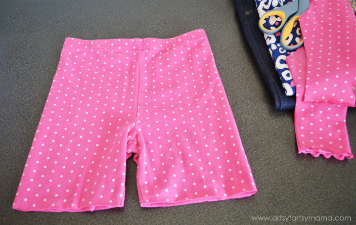 Upcycle old leggings into 18 inch doll leggings and shorts for your daughter at artsyfartsymama.com