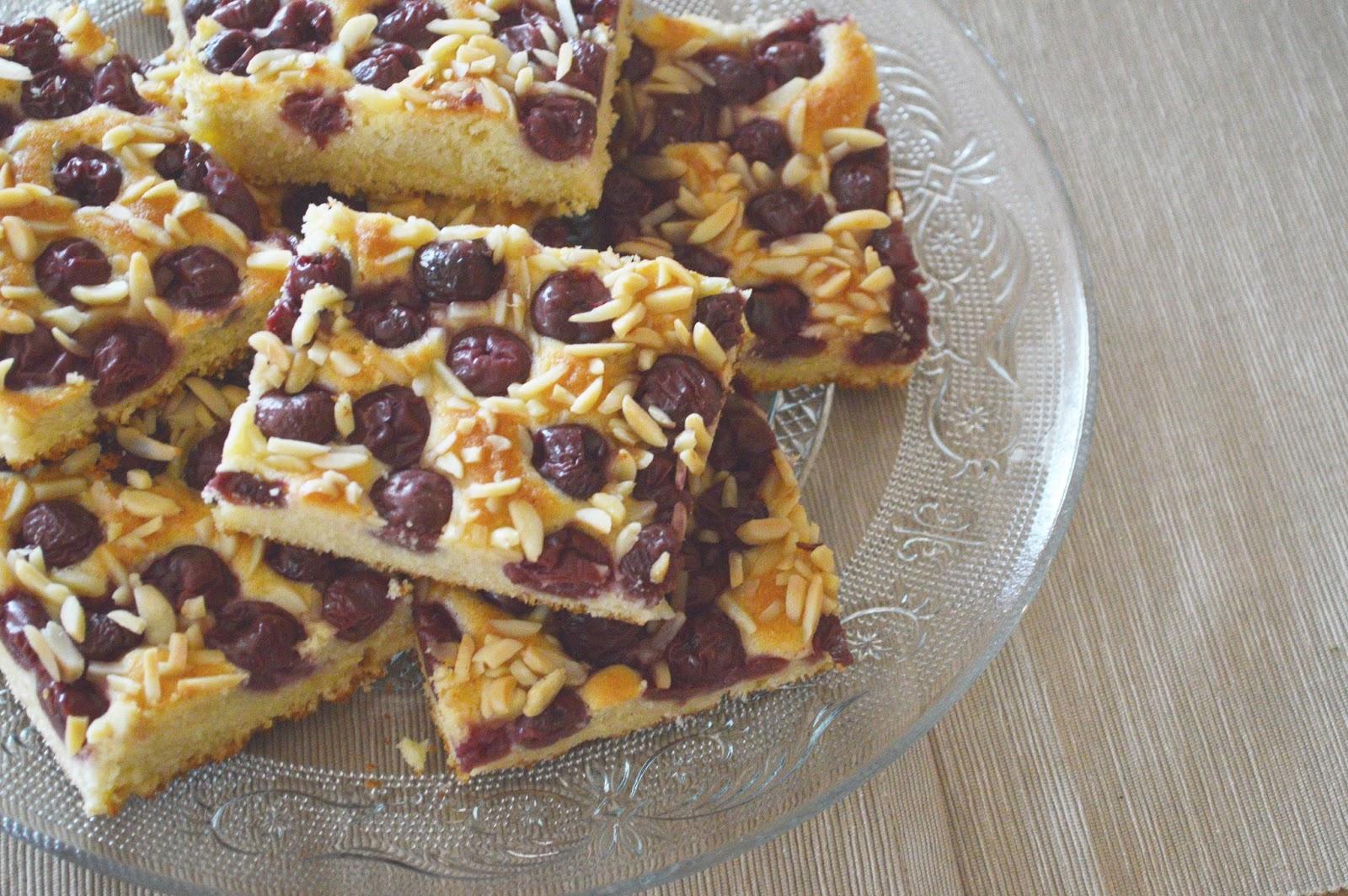 Tee un Kooken: Kirsch-Kuchen mit Marzipan