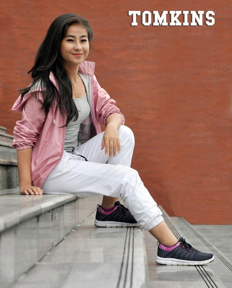merek merk brand branded bermerek indonesia asli pabrik keluaran model terbaru terkini berkualitas ekspor original kw jual beli casual olahraga santai ke kantor kuliah sekolah bahan ukuran awet tahan lama