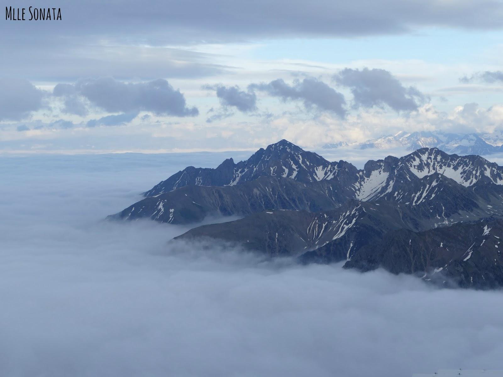 Chaîne des Pyrénées vue du Pic du Midi