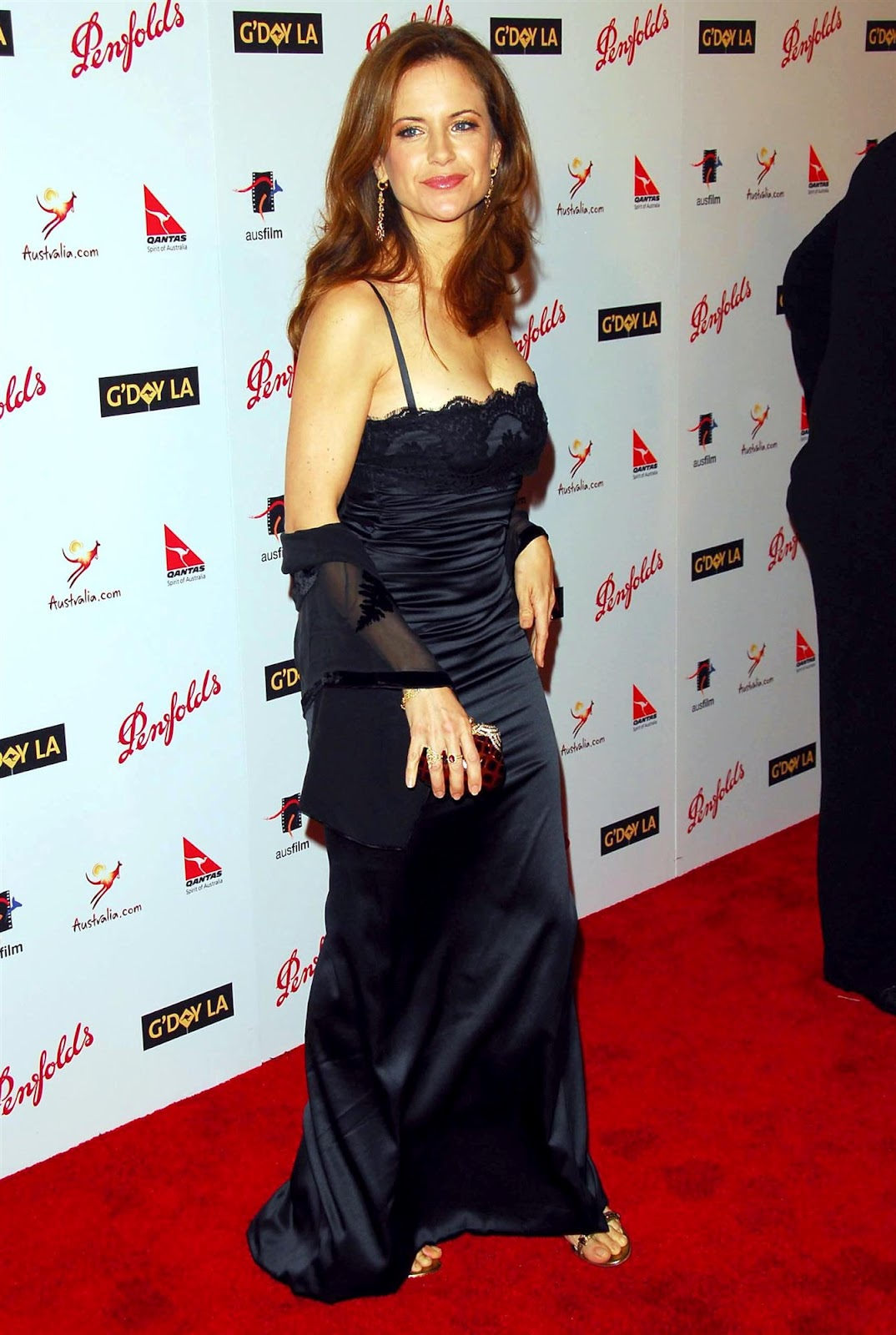 Kelly Preston Pictures Gallery Online News Icon