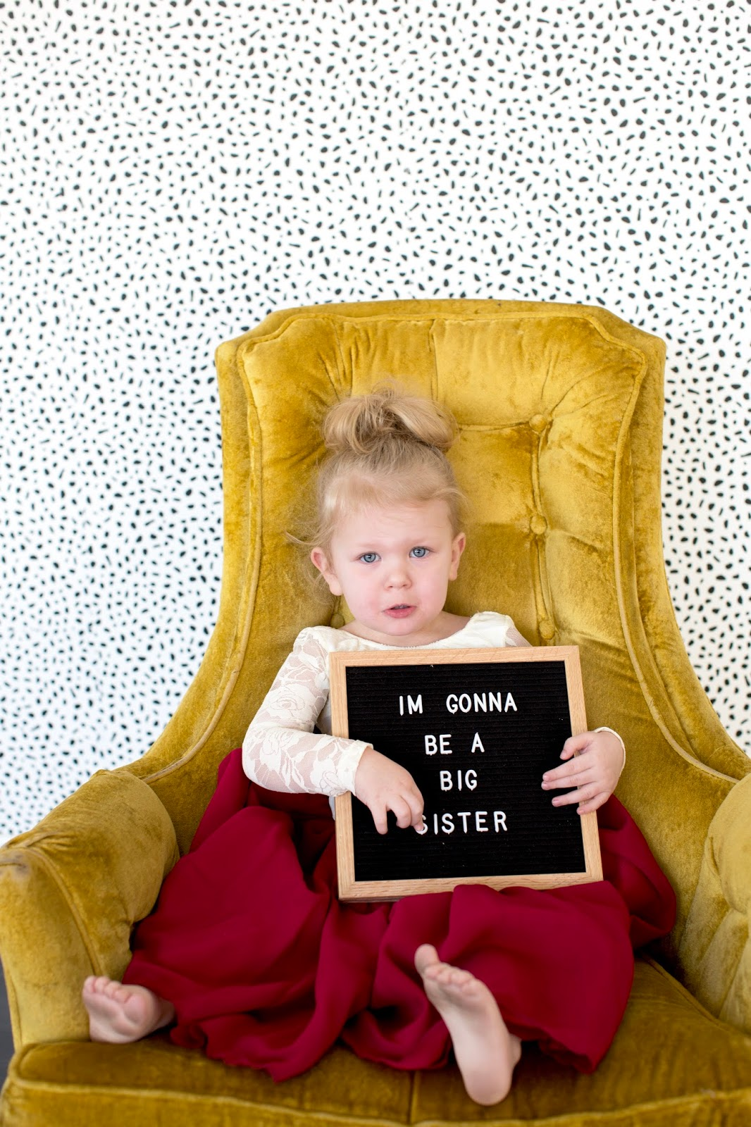 I'm gonna be a big sister, photoshoot, baby announcement