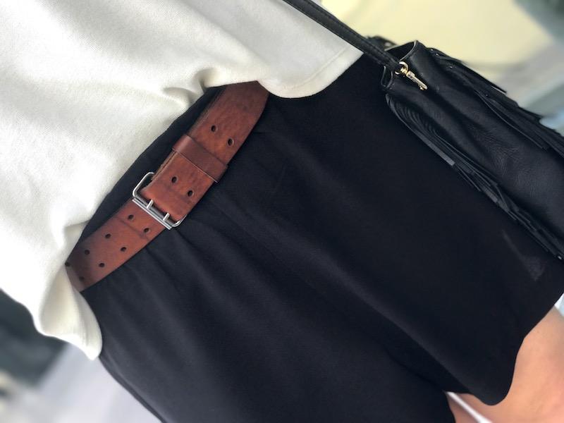 short ample noir H&M , ceinture marron Isabel Marant