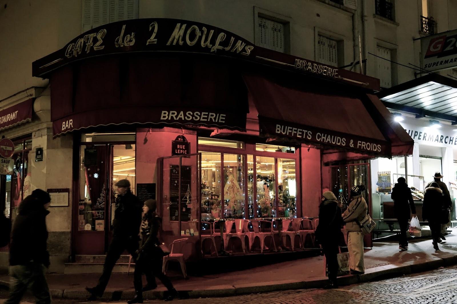 カフェ・デ・ドゥー・ムーラン(Café des Deux Moulins)