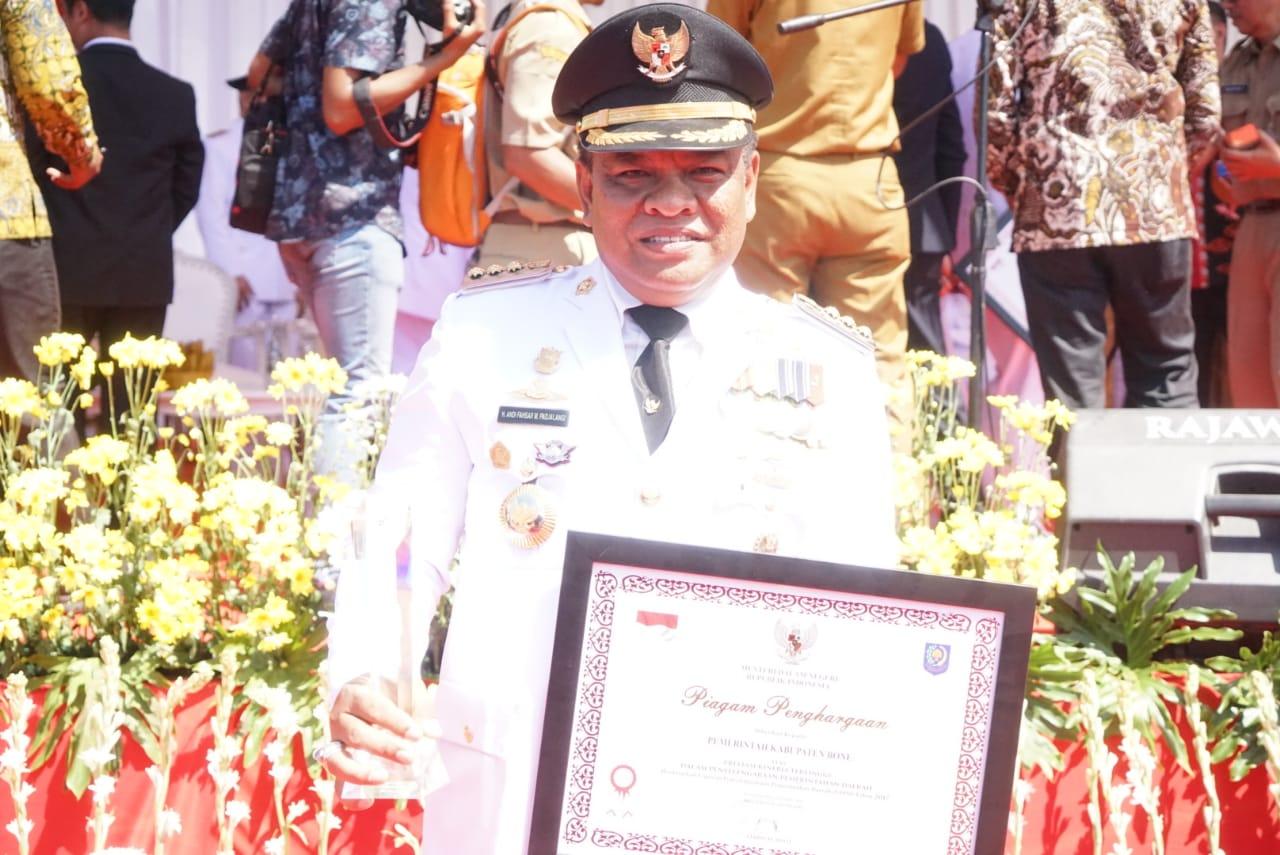 Terima Penghargaan Terbaik LPPD Secara Nasional, Bupati Bone Bidik Penghargaan Parasamya Adhi Karya Nugraha