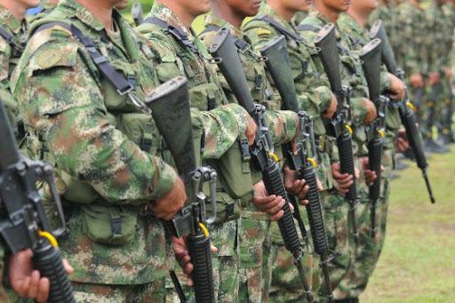 Informe entregado por víctimas evidencia negligencias por parte del Ejército en masacres de las AUC