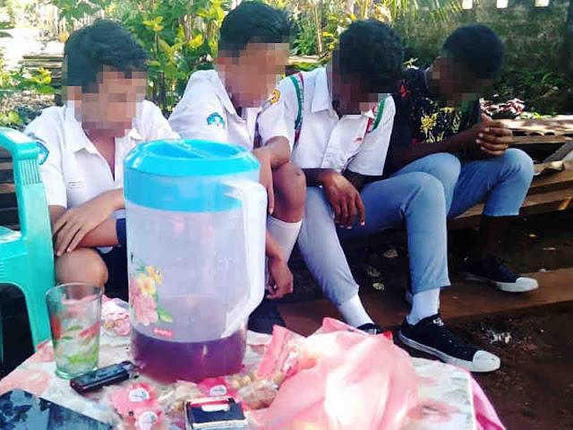 Satpol PP Amankan 4 Pelajar Pengkonsumsi Minuman Beralkohol di Sifnana
