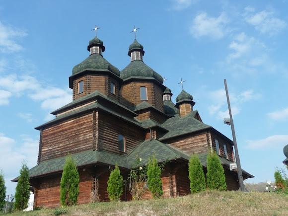 Золочев. Церковь Николая Чарнецкого. 2011 г. УГКЦ