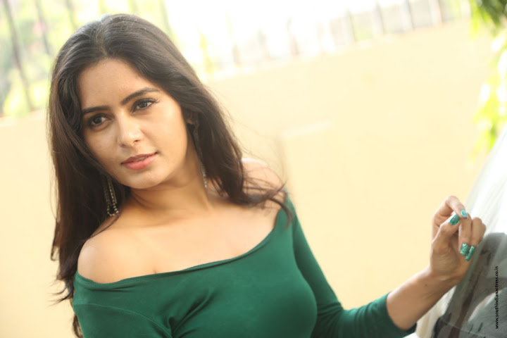 Madhumitha Krishna at E Ee movie trailer launch