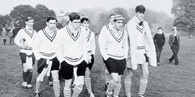 ENGLAND के इस चित्र में उपस्थित है INDIA का महान क्रिकेट खिलाड़ी, पहचानिए कौन, कहानी पढ़िए | SPORTS HISTORY