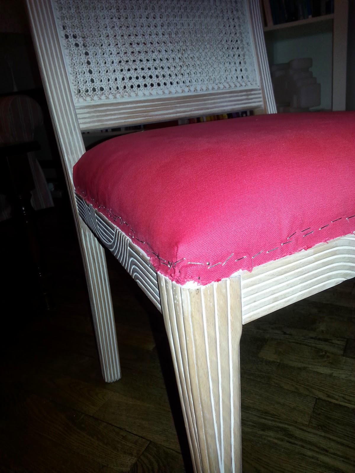 Comment Tapisser Une Chaise Ancienne merci clémence !: j'ai testé pour vous : retapisser des chaises