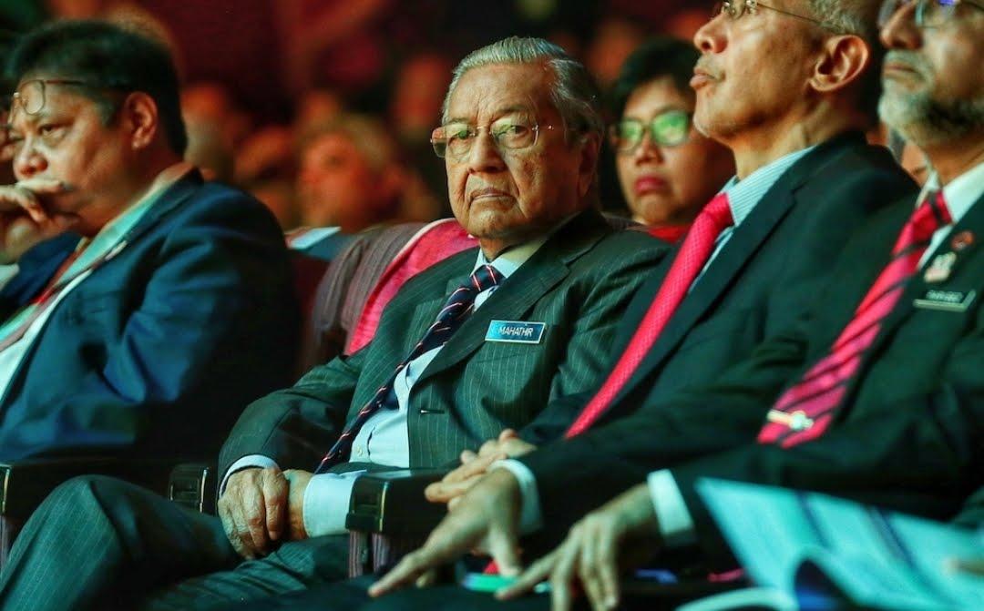 tun Mahathir hidung berdarah