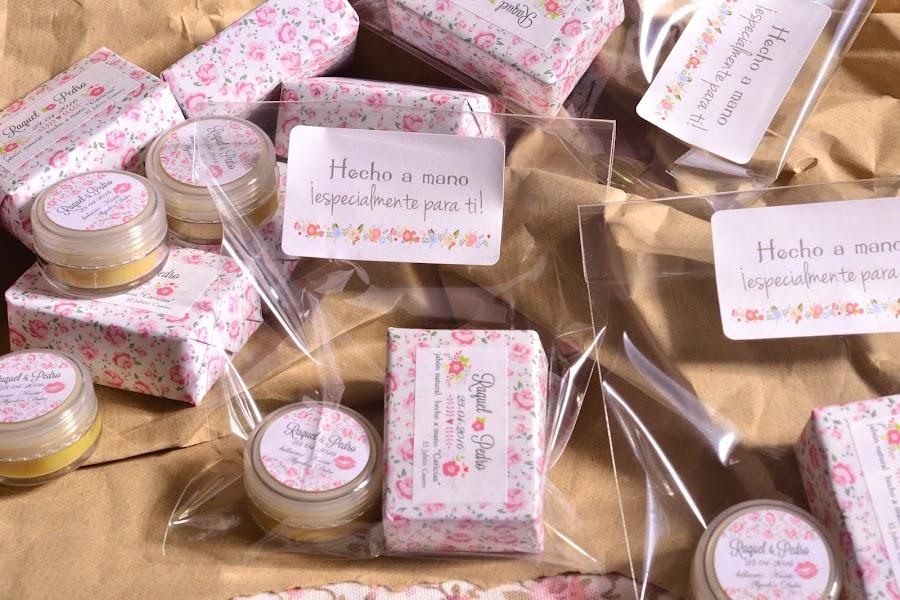 regalos para invitados bodas bonitas jabones y balsamos