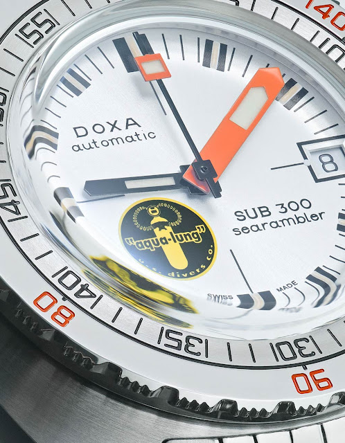 "DOXA SUB 300 Searambler ""Silver Lung"""