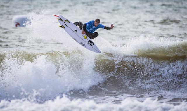 31 2014 Moche Rip Curl Pro Portugal Mitch Crews AUS Foto ASP Damien%2B Poullenot Aquashot
