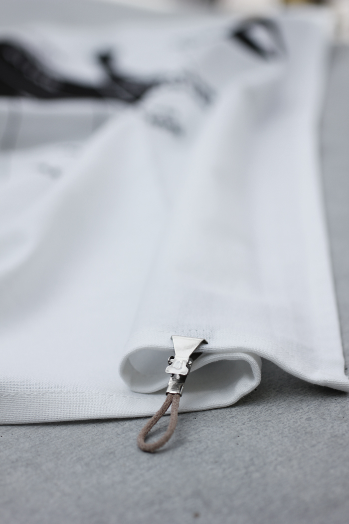handduksclips, clips, handduk, handdukar, svart och vitt, läder, inredning, annelies design, webbutik, webbutiker, webshop,