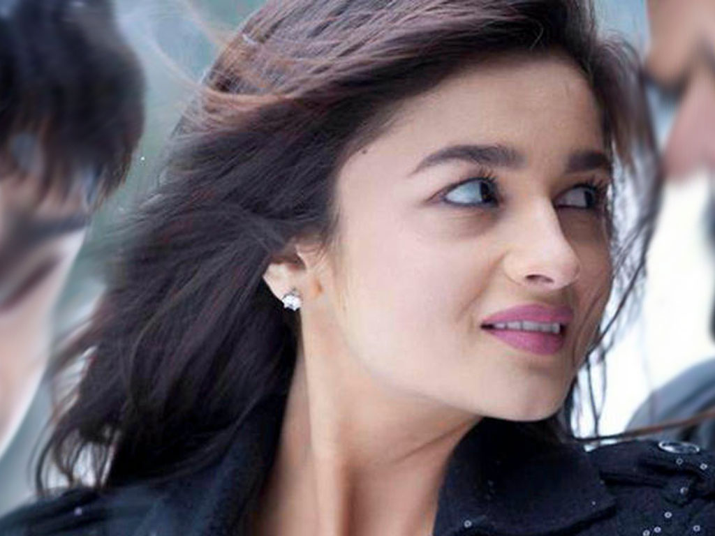 Free Hindi Quotes Wallpapers Alia Bhatt Bollywood Actress Hot And Sexy Wallpapers