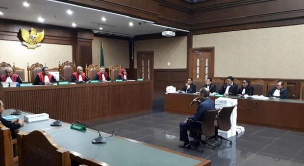 Fredrich Yunadi Tuding Jaksa KPK Bikin Cerita Fiktif