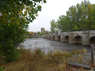 Puente medieval. Salinas de Pisuerga