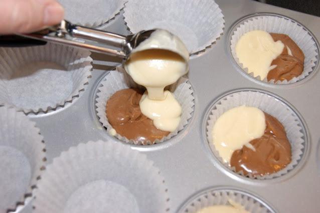 How to Make Neapolitan Cupcakes Image