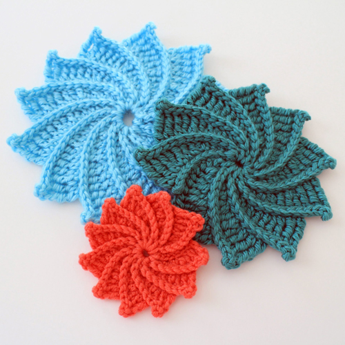 Spiral Crochet Flower Free Pattern and Video Tutorial