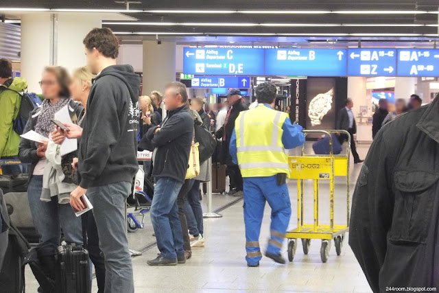 ルフトハンザ手荷物預け Baggage counter2