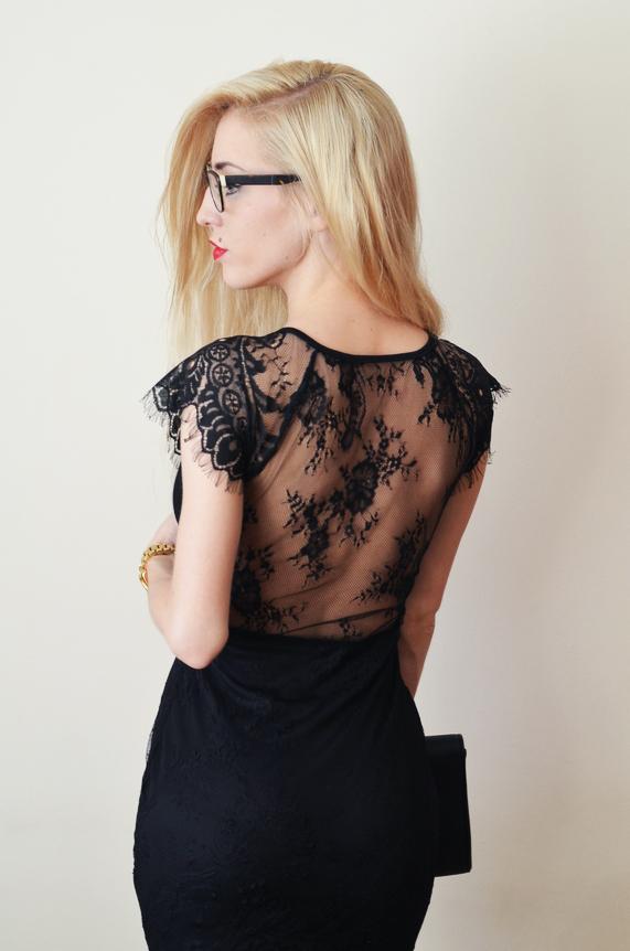 KORONKOWA MAŁA CZARNA / LITTLE BLACK DRESS