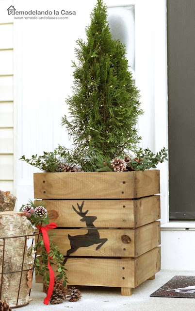 planks, christmas planters, deer,