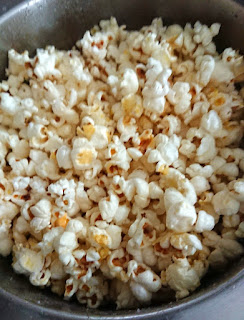 No butter popped corn in a pot