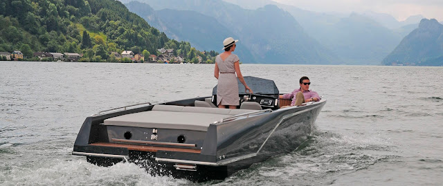 Electric boats are equipped with Deep-Blue-board