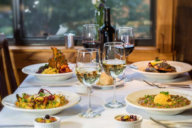 Noite nos restaurantes em Big Bear Lake