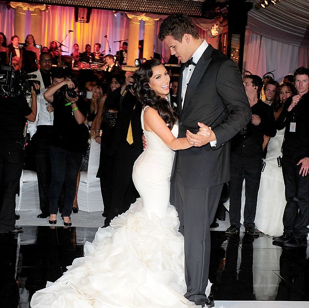 Khloe Kardashian Wedding Gown: Megvictor: Kim Kardashian's Wedding Photos