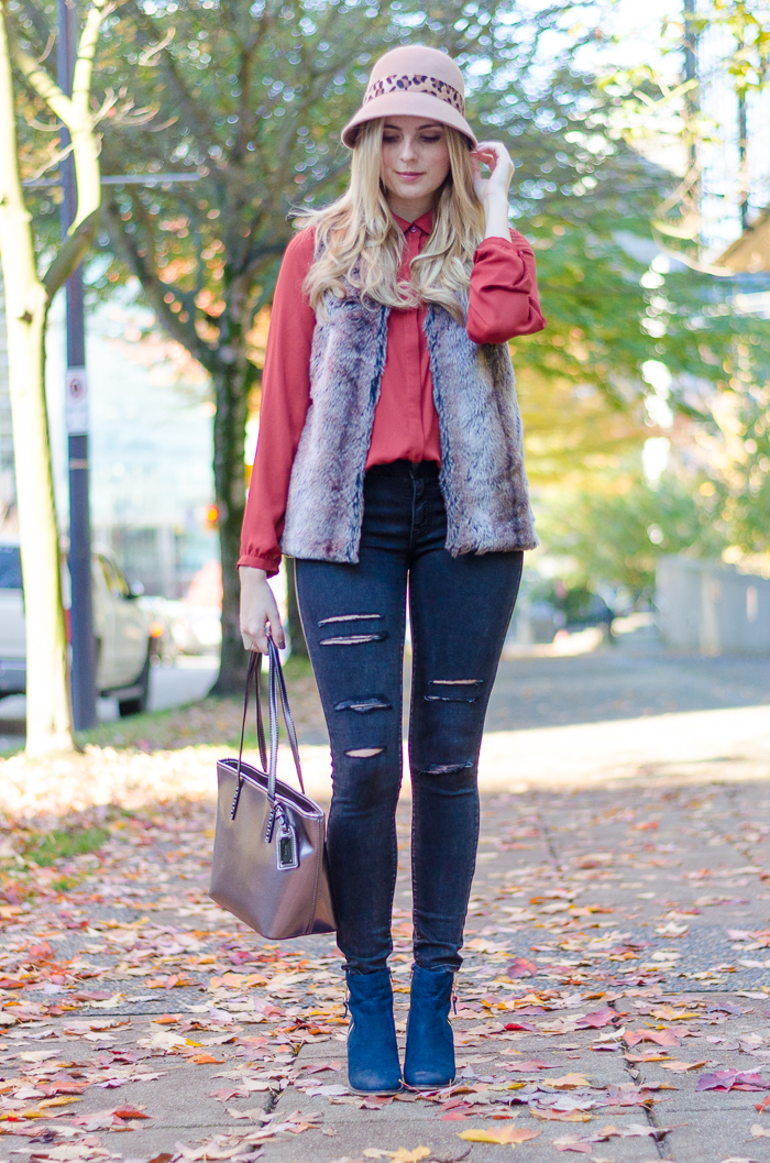 fall style in Forever 21 fur vest and American Eagle black ripped jeans