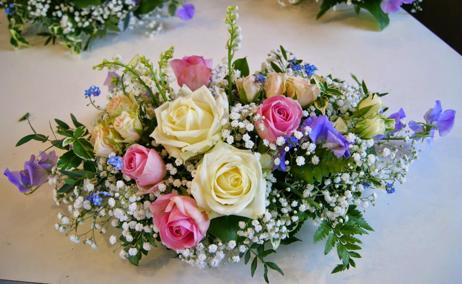 des magnolias sur ma voie lact e centres de table mariage en pastels blanc rose bleu. Black Bedroom Furniture Sets. Home Design Ideas