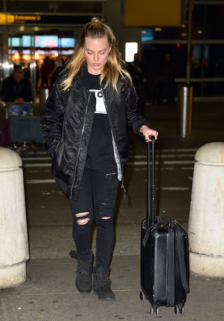 Margot Robbie – Arrives at JFK Airport in New York