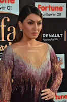 Hansika Motwani in Glittering Deep Neck Transparent Leg Split Purple Gown at IIFA Utsavam Awards 002.JPG