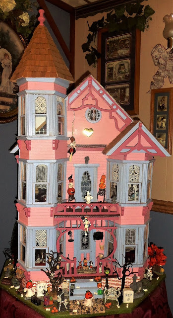 Victorian Haunted Doll House, 2018
