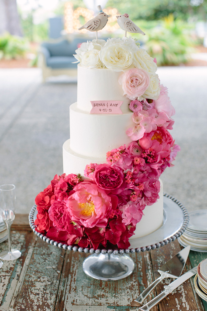 12 Fabulous Ombre Wedding Cakes   Belle The Magazine Click here to go to our wedding cake gallery     you wont be disappointed  I  promise