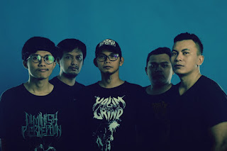 "Distorsi Akustik Rilis Music Video ""Mesin Pemahat Waktu"""