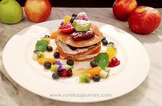 sarapan sehat dengan buah di bistro baron