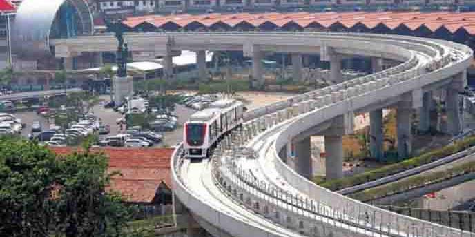 Belum genap sebulan beroperasi Skytrain (Kereta Layang) bandara Soetta mogok