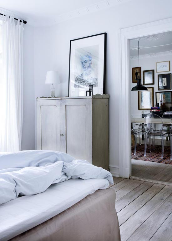 Bedroom of Stephanie Gundalech. Styling: Helen Wiggers, photo: Line Klein for Elle Decoration UK (via My Scandinavian Home)