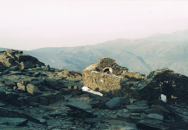 Na szczycie Mulhacen 3.478,6 m.