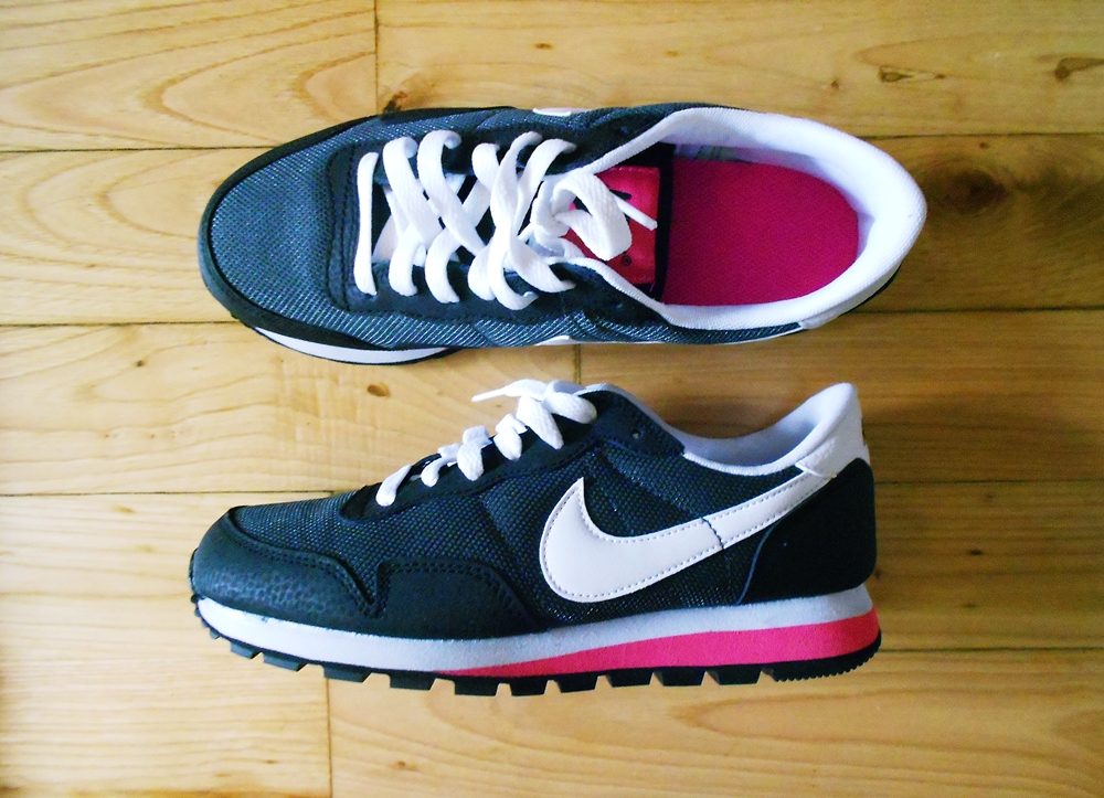 new in | nike air