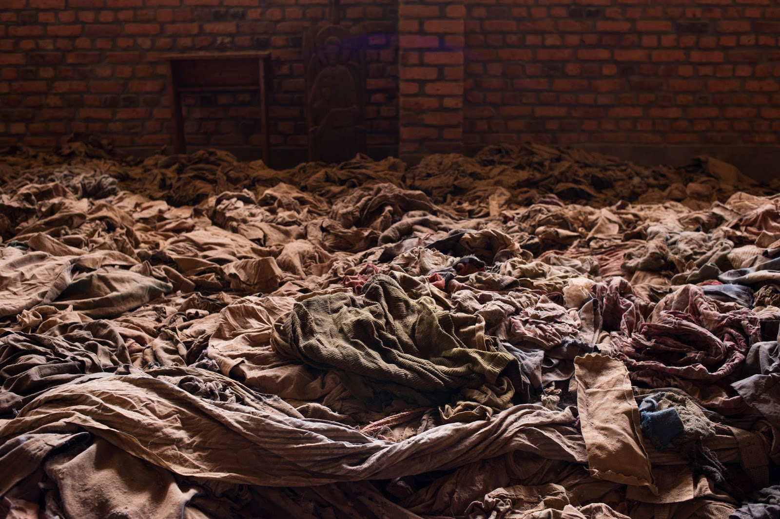 an analysis of the rwanda genocide in 1994 Free essay: the rwandan genocide of 1994 lasted only for a brief period and lasted for approximately a hundred days during that time, an estimated amount of.