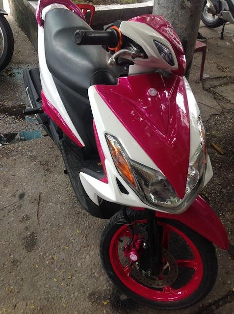 Sơn phối màu xe Yamaha Luvias trắng hồng